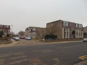MIXED APARTMENTS AT LINKSFIELD GARDENS